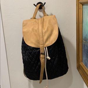 Handbags - Drawstring backpack, black and camel